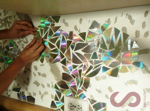 Декор стен из дисков своими руками 93