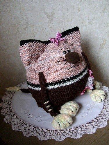 Подушка кот  спицами