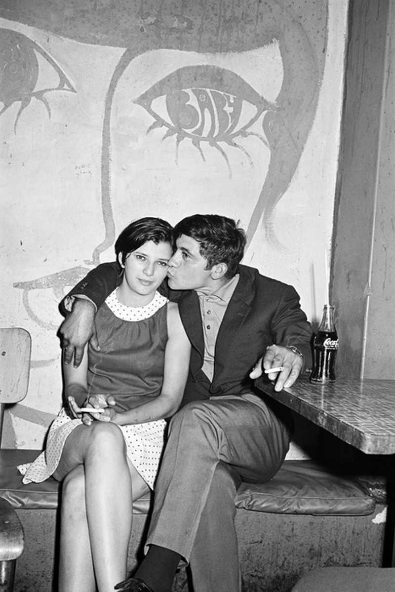 Сексуальная революция с пафосом прокатилась по странам Запада в 50-60